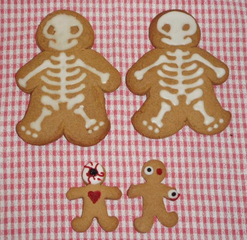 the gingerdead family of biscuits