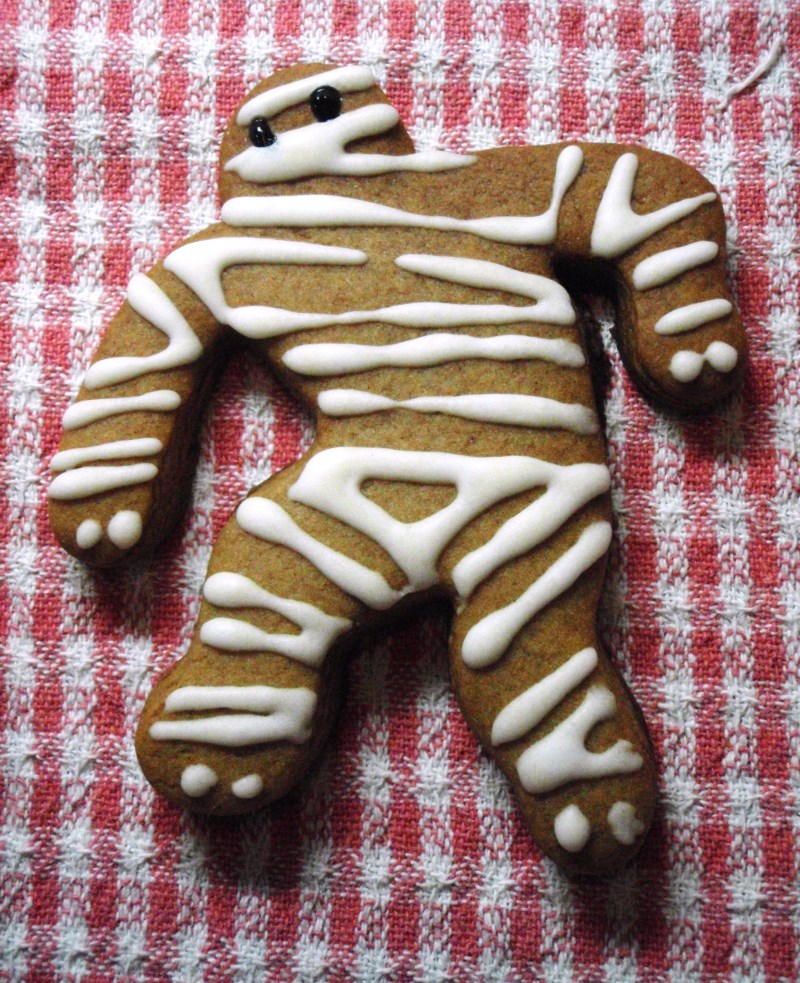 mummybread man biscuit