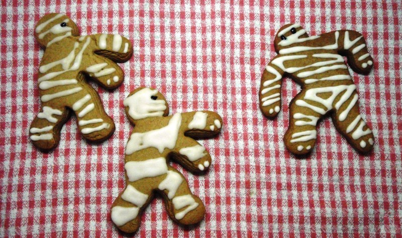 mummybread men biscuits